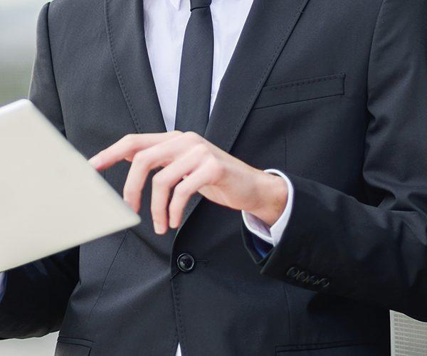 Como funciona a Assinatura Eletrônica em corretoras de seguros?
