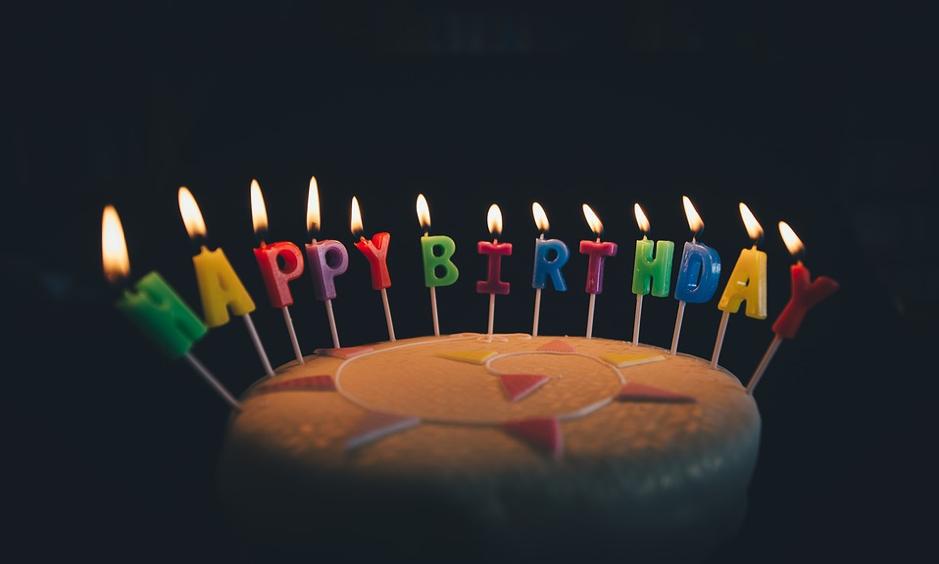 Lembrar do aniversário do cliente é uma ação de relacionamento importante.