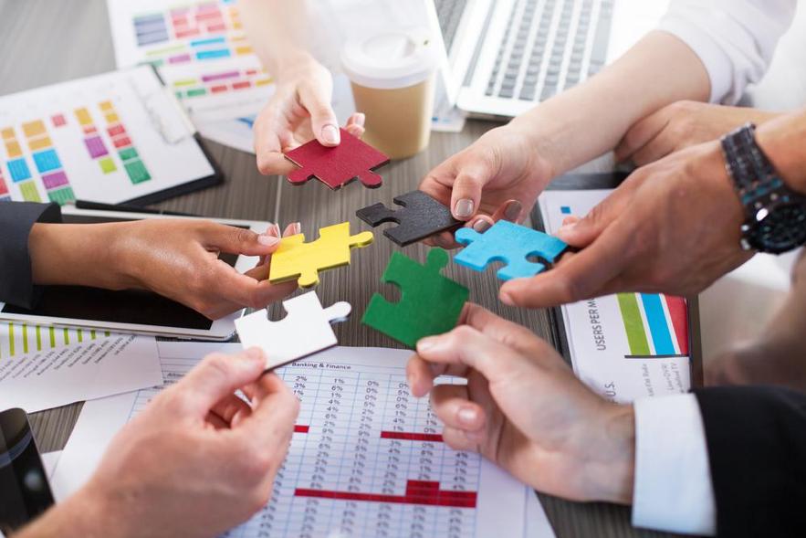 O Quiver EB soluciona o quebra-cabeça da operacionalização de benefícios unindo peças fundamentais- Corretor, RH e beneficiário