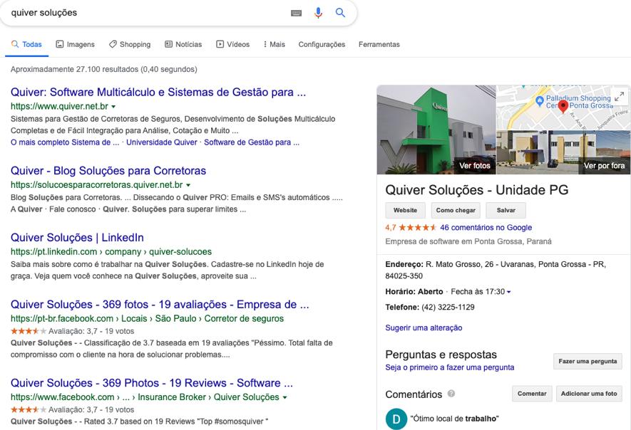 O Google My Business (à direita) apresenta diversas informações sobre a empresa para o usuário que pesquisa por ela.