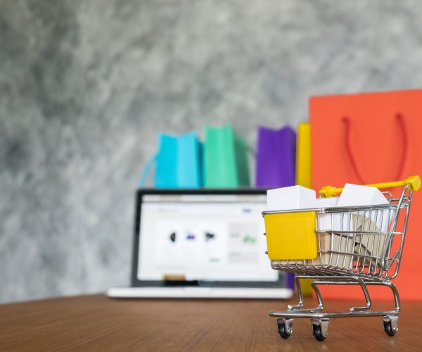 Como as corretoras estão se preparando para a nova geração de e-commerces e marketplaces de seguros?